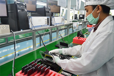 huawei smartphone production